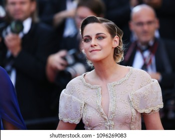 Kristen Stewart attends Closing Ceremony during the 71st  Cannes Film Festival at Palais des Festivals on May 19, 2018 in Cannes, France.
