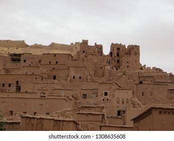 ksar-ait-ben-haddou-ouarzazate-260nw-1308635608.jpg