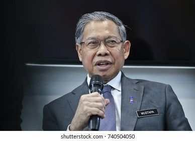 KUALA LUMPUR 02 OCTOBER 2017: Minister of (MITI), Dato Sri Mustapa Mohamed, delivered a speech on Launch of The Honeywell Connected Experience.