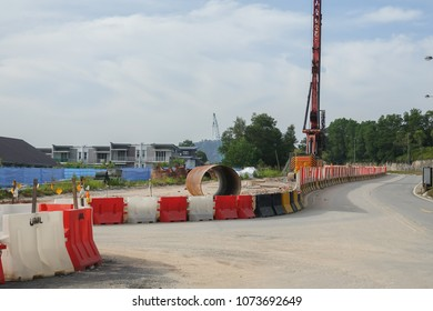 KUALA LUMPUR, 20 APRIL 2018. Construction of DASH HIGHWAY.DASH is a 20.1km, three-lane elevated dual-carriage expressway running from Puncak Perdana U10 Shah Alam Interchange to the Penchala Link