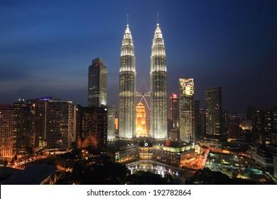 Kuala Lumpur Twin Tower Images, Stock Photos & Vectors