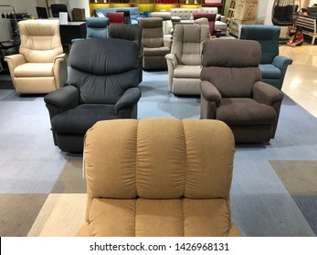 Awe Inspiring Imagenes Fotos De Stock Y Vectores Sobre Sofa Reclinable Machost Co Dining Chair Design Ideas Machostcouk