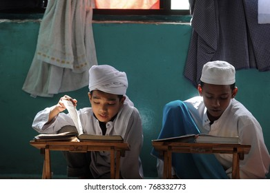 KUALA LUMPUR - December 16th 2016: Rohingya refugees are memorizing the Holy Quran at Madhrasah Hashimiah. Thousands of Rohingya refugee fled to Malaysia dued to ethnic criss in Myanmar.