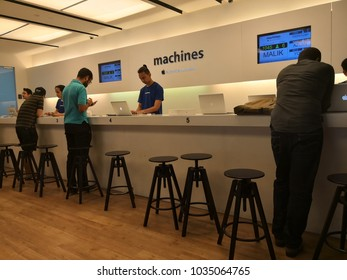 Apple Service Center Stock Photos, Images & Photography | Shutterstock