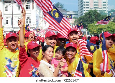 Kuala Lumpur, Malaysia. 31st August, 2017 : Patriotic volunteers celebrating their country indepence day at the iconic site Merdeka square, Kuala Lumpur, Malaysia.