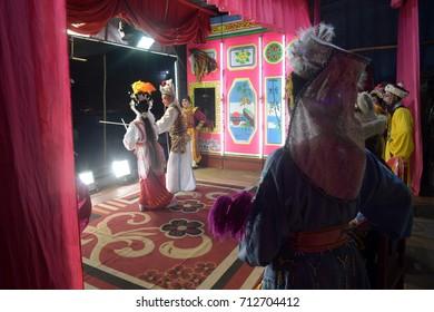 KUALA LUMPUR , MALAYSIA , 9 SEPTEMBER 2017 : Chinese Opera Dummy is doing the make up & preparation for opera musical art.