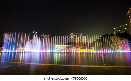 KUALA LUMPUR, MALAYSIA - April 10, 2014: Suria KLCC Lake Symphony dance, water fountain show