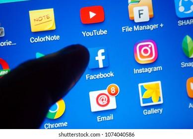 Apple Facebook Google Images, Stock Photos & Vectors