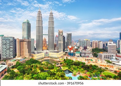 KUALA LUMPUR, MALAYSIA - Ferbruary 5: Petronas Towers on February 5, 2016 in Kuala Lumpur, Malaysia.Petronas Towers is the tallest buildings in the world from 1998 to 2004