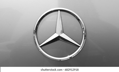 Mercedes Logo Images Stock Photos Vectors Shutterstock