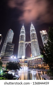 KUALA LUMPUR, MALAYSIA - MAR 4: Petronas Twin Towers at night on March 4,2013 in Kuala Lumpur. Petronas Twin Towers were the tallest buildings (452 m) in the world from 1998 to 2004.