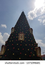 Kuala Lumpur, Malaysia. November 26, 2018. The tallest Christmas Tree replica in Malaysia was on display in front of Symphony Lake Esplanade KLCC in the celebration of Christmas Day