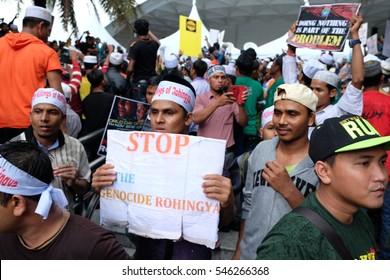 KUALA LUMPUR, MALAYSIA - NOVEMBER 30, 2016:  Muslim taking part in a peace gathering to show support for Rohingya at Masjid Negara, Kuala Lumpur on 30th November 2016.