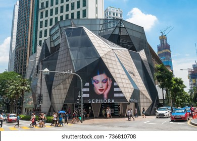 Kuala Lumpur, Malaysia - Oct 14,2017 : Starhill Gallery is one of Asia's most beautiful shopping mall in Bukit Bintang shopping district of KL,Malaysia.People can seen exploring and walking around it.