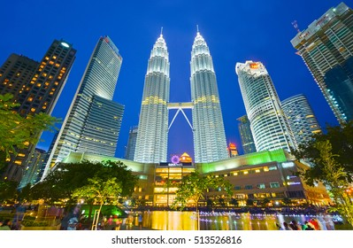 KUALA LUMPUR, MALAYSIA OCTOBER 22: Night view of Petronas twin towers on October 22 2016 in Kuala Lumpur, Malaysia. The towers were the tallest buildings in the world from 1998 to 2004