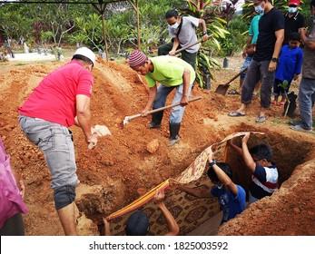 Kuala Lumpur, Malaysia - Sept 13 2020 : Muslim Malay funeral process at the cemetry.