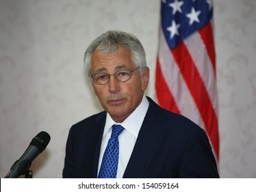 KUALA LUMPUR, MALAYSIA United States (US) Secretary of Defence Chuck Hagel gestures during a jpress conference in Kuala Lumpur, Malaysia, 25 August 2013.