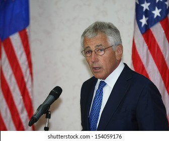 KUALA LUMPUR, MALAYSIAUnited States (US) Secretary of Defence Chuck Hagel gestures during a press conference in Kuala Lumpur, Malaysia, 25 August 2013.