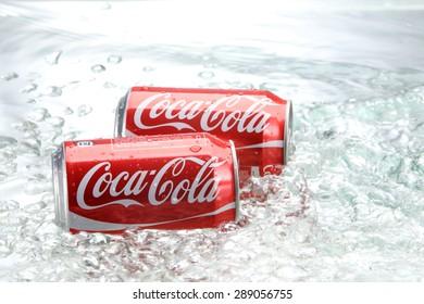 Kuala Lumpur,Malaysia 27th April 2015, 325ml coca cola can with water splash