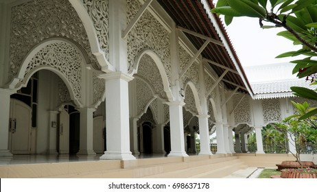 Kuala Terengganu, Terengganu –August 15, 2017 Masjid Abidin interior design at Kuala Terengganu, Terengganu, Malaysia.  The mosque, which is also known as the White Mosque or the Big Mosque.