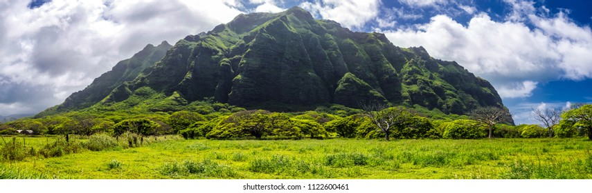 Kualoa mountain range panoramic view, famous filming location on Oahu island, Hawaii