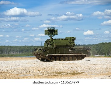 """Kubinka, Russia - June 18, 2015: Antiaircraft missile systems (AAMS) 9K331 """"TOR-M1"""". Proving Ground Alabino. International Military-Technical Forum """"Army-2015"""", the park """"Patriot"""", Moscow region"""