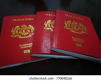 kuching sarawak malaysia december3rd 2017 : 3 malaysian passport for traveler.