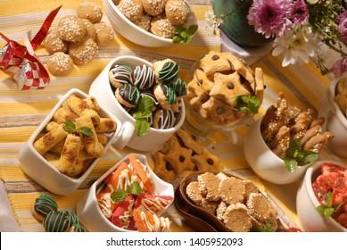 Imagenes Fotos De Stock Y Vectores Sobre Makanan Enak Shutterstock