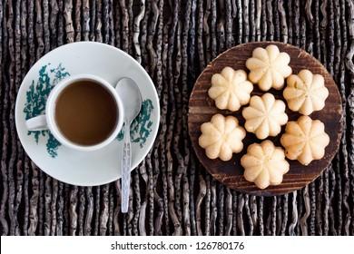 Kueh Bahulu / Egg Sponge Cake