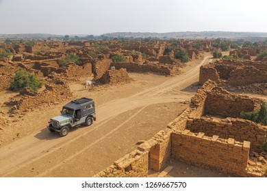 Kuldhara is an extremely intriguing village which has been abandoned since early 1800s and is believed to carry a curse of the residents who migrated elsewhere.