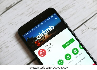 KULIM,MALAYSIA - APRIL 11TH,2018 : Airbnb application on an android Google Play Store.