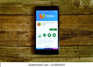 KULIM,MALAYSIA - JUNE 26TH,2018 : Firefox browser application on an android Google Play Store.