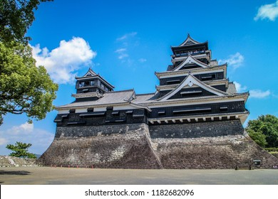 Kumamoto Castle is the one of the most iconic castle in Japan. Located in the middle of Kyushu island.