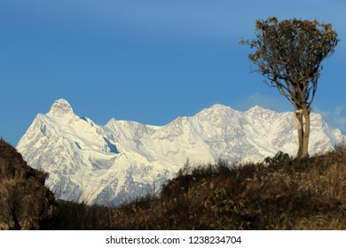 Kumbhakarna Himal (7,710m) and Kanchenjunga Himal(8,586m) Gupha Village - Eastern Nepal