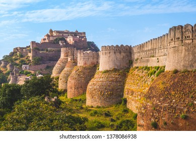 Kumbhalgarh fort and wall in rajasthan, india