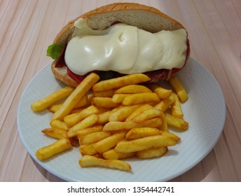 kumru is a special type of sandwich that is associated with Cesme which is a region of Izmir