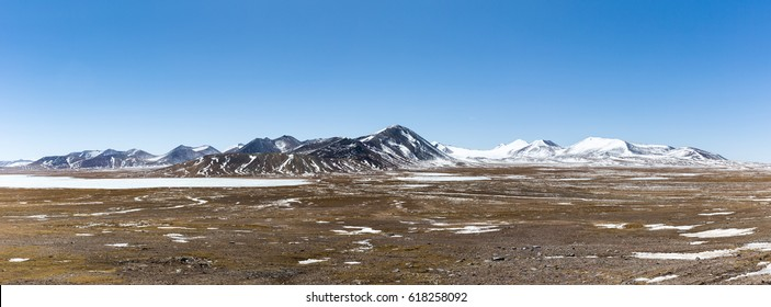kunlun snow mountains panorama on tibetan plateau, snow area plateau background