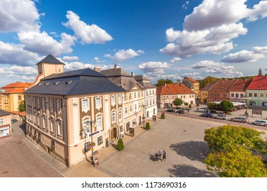 KUTNA HORA, CZECH REPUBLIC - AUGUST 26 2018: Palacky Square with Sankturin House in the historic center.