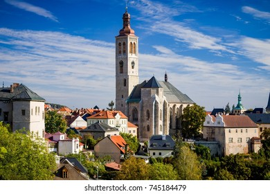 KUTNA HORA - SEPTEMBER 30: St James church on September 30, 2016 in Kutna Hora, Czechia. It is the oldest stone church in Kutna Hora, construction work was completed in 1420.