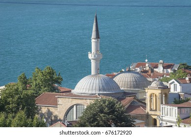 Kuzguncuk Mosque and Surp Krikor Lusavoric Church, Istanbul, Turkey