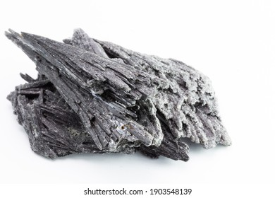 kyanite, distenium or crude gray kyanite, esoteric stone, typical of Brazil. It is used in refractory and ceramic products, including porcelain.