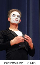 """KYIV, UKRAINE - MARCH 11: Ukrainian mime Oleh Yemtsev performs his classical pantomime show called """"Marcel Marceau's Successors"""" at the Actor's House  on March 11, 2008 in Kyiv, Ukriane"""