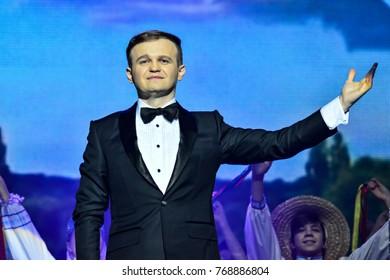 """KYIV, UKRAINE - NOVEMBER 30, 2017: Singers Dmytro and Nazariy Yaremchuk during song festival """"Rodyna"""" named after Nazariy Yaremchuk"""