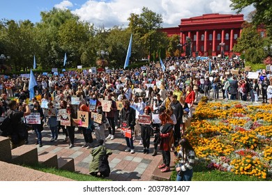 Kyiv, Ukraine Sept.5. 2021: All-Ukrainian March for Animal Rights 2021. Thousands of people took part in the march. Protesters demanded to ban circuses with animals, fur farms,pickling stations, and