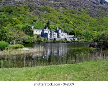 Kylemore Abbey (wideangle)