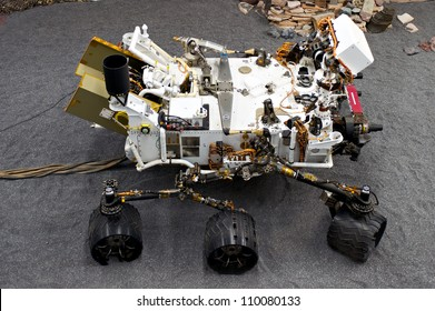 LA CANADA, CA - AUGUST 13: A duplicate of the NASA Mars Science Laboratory, named Curiosity, in the lab at the Jet Propulsion Laboratory in La Canada, CA on August 13, 2012.