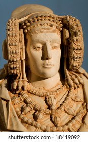 La Dama de Elche / Lady of Elche is the most important polychrome piece of Iberian art. Produced in the fourth century B.C. although or date it to the Hellenistic or Roman periods.