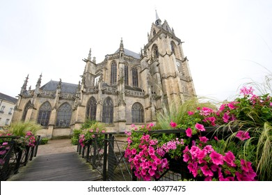 La Ferte-Bernard (Sarthe, Pays de la Loire, France) - The gothic church and flowers