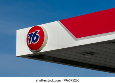LA JOLLA, CA/USA - JANUARY 14, 2018:  Union 76 gas station sign. Union 76 is a chain of automotive service station in the United States owned by Phillips 66 Company.