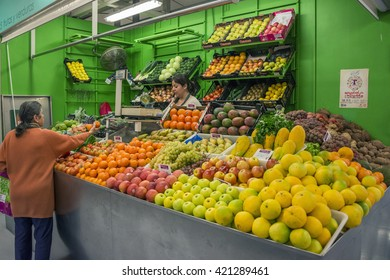 LA LAGUNA, TENERIFE - AUGUST 15, 2015: Buying fruits at the market of La Laguna
